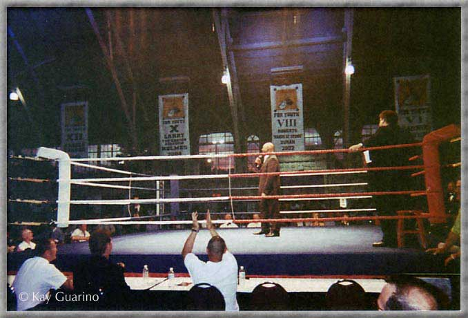 Marvelous making a speech in the ring during his appearance at the Ottawa Boys and Girl's Club.